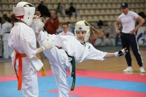 Детские занятия каратэ и их плюсы